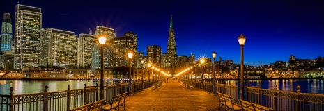 Городской Сан-Франциско и пирамида Transamerica на Chrismas Стоковая Фотография RF