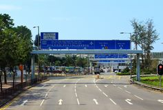 Городской транспорт на в воскресение утром в Гонконге стоковые изображения rf