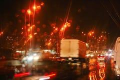 город автомобилей осени освещает лобовое стекло дороги дождя ночи Стоковое фото RF