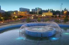 Город Астрахани Россия Фонтан Стоковые Изображения
