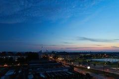 Город Берлина с небом и ТВ возвышаются на ноче Стоковые Изображения RF