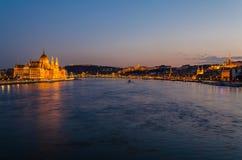 Город Будапешта на голубом часе Стоковая Фотография