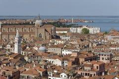 Город Венеции от меток St придает квадратную форму в Венеции, Италии Церковь, архитектура стоковые фото