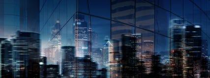 город выравнивая загадочную ночу Стоковые Изображения RF