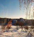 Город в полдень стоковое изображение