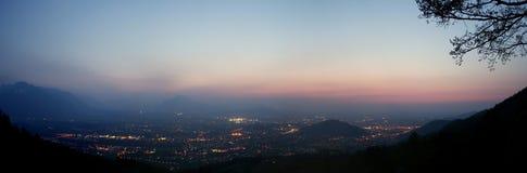 Город Зальцбург на ноче Стоковые Изображения RF