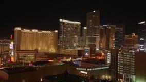 Город Лас-Вегас освещает на ноче - изумительных гостиницах на прокладке Лас-Вегас - США 2017 акции видеоматериалы