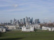 Город Лондона, современных зданий - взгляда от парка Гринвич, февраля 2018 стоковое изображение rf