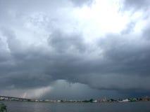 город над штормом Стоковые Фото