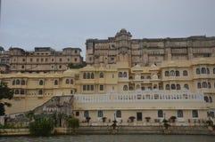Город озер Udaipur Для озер, здания наследия, дворцы, гостиницы, свадьба назначения, назначение медового месяца стоковая фотография rf