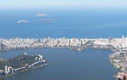 Город сверху Озеро Rodrigo de Freitas Рио-де-Жанейро стоковые изображения rf