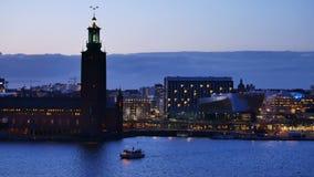 Город Стокгольма, Швеция вечером сток-видео