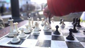 Город улицы игры шахмат сток-видео