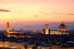 Город Флоренса на заходе солнца с известным Duomo и Palazzo Vecchio стоковая фотография rf