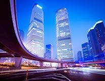 Город Шанхая Пудуна, ноча стоковые фото