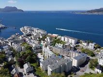 Город Alesund в Норвегии - viewpiont на Aksla Fjellstua стоковые фото