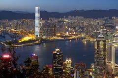 Город Hong Kong на ноче Стоковая Фотография