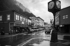 Город Juneau Аляски в черно-белом стоковое фото