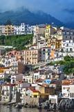 Город Scilla в провинции Reggio Калабрии, Италии Стоковые Фотографии RF