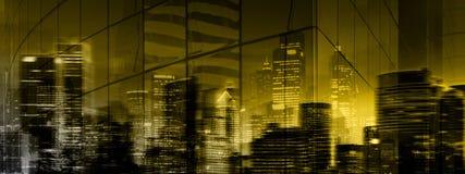 Город вечера/ночи высокого разрешения загадочный Стоковые Изображения