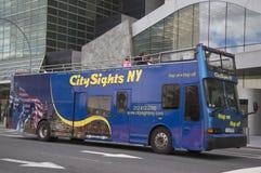 Город визирует хмель NY на хмеле с шины в Манхаттане Стоковые Изображения RF
