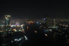 Город в ноче Стоковая Фотография