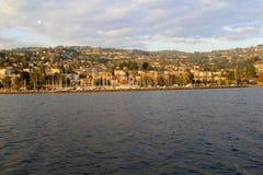 Город вдоль озера, Швейцарии Стоковые Изображения RF