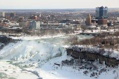 Город зимы Ниагарского Водопада Нью-Йорка Стоковое фото RF
