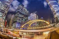 Город, здания и движение Бангкока в зоне предпринемательства Стоковые Изображения RF