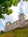 Городище средневекового замка Kasperk твердыни около Kasperske Hory в южной Богемии, горах Sumava, чехословакских Стоковая Фотография RF