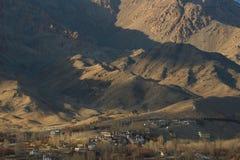 Город и гора Leh Стоковые Изображения RF