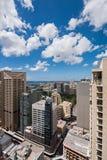 Город и залив Сиднея от высоты стоковые фотографии rf