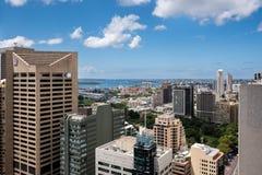Город и залив Сиднея от высоты стоковое изображение rf