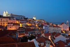Город Лиссабона освещает панорамный взгляд Alfama Стоковые Изображения RF