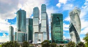 Город Москвы, многоэтажные здания делового центра России Москвы международные Стоковая Фотография RF