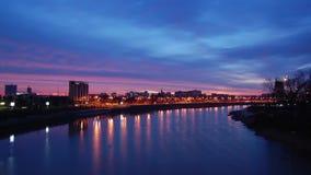 город над восходом солнца Промежуток времени Высокий угол сток-видео