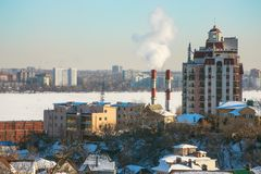 Город на замороженном реке Стоковое Изображение RF