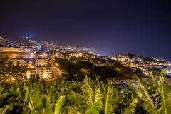 Город на ноче, остров Фуншала Мадейры, Португалия Стоковая Фотография