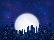 Город ночи на предпосылке луны Стоковое Изображение