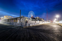Город океана, пристань Мэриленда во время теплой ночи падения Стоковые Фото