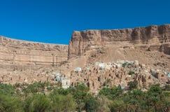 Городок грязи в вадях Doan, провинции Hadramaut, Йемене стоковые фотографии rf