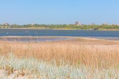 Городок расположенный на берег озера Стоковая Фотография