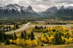 Городок скалистой горы цвета осени Стоковое фото RF