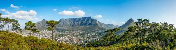 городок таблицы горы плащи-накидк Африки южный Стоковые Изображения