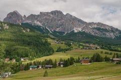 Городок ampezzo ` Cortina d стоковая фотография rf