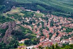 Городок Belogradchik и крепость Belogradchik стоковое фото rf