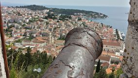 Городок Hvar, Хорватии к Адриатическому морю от крепости Spanjola Стоковые Фото