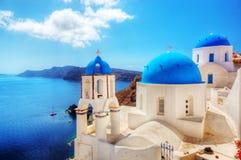 Городок Oia на острове Santorini, Греции Эгейское море Стоковые Изображения RF