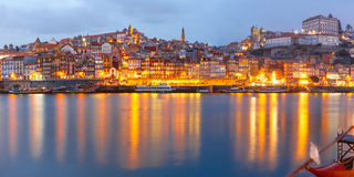 городок porto Португалии ночи старый Стоковые Изображения