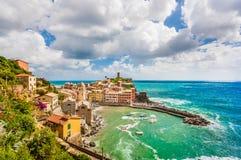 Городок Vernazza, Cinque Terre, Италии стоковая фотография rf